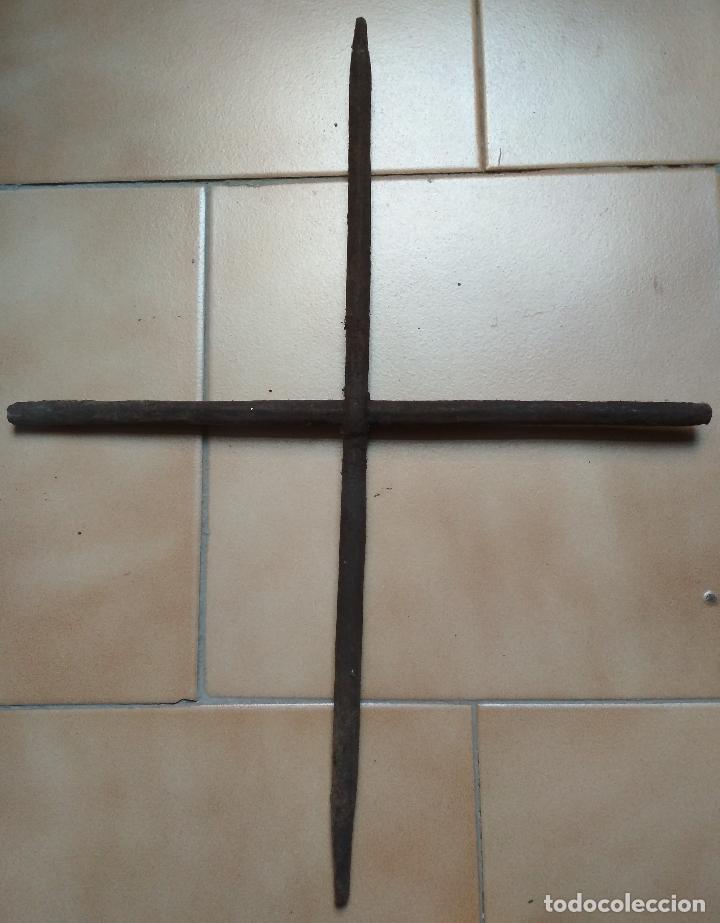 REJA ANTIGUA HIERRO REDONDO FORJA (Antigüedades - Técnicas - Cerrajería y Forja - Forjas Antiguas)