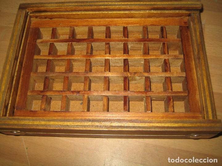 IMPRENTA, CAJA DE MADERA CON 40 APARTADOS, CON TAPA METACRILATO (Antigüedades - Técnicas - Herramientas Profesionales - Imprenta)