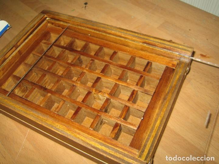 Antigüedades: imprenta, caja de madera con 40 apartados, con tapa metacrilato - Foto 5 - 214941478