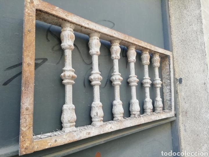 Antigüedades: Antigua reja o traga luz - Foto 2 - 156051742