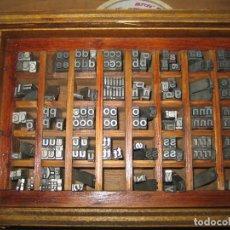 Antigüedades: IMPRENTA, LETRAS DE PLOMO, 20 FOLIO NEGRA MINUSCULAS, CAJA 40 APARTADOS. Lote 156063126