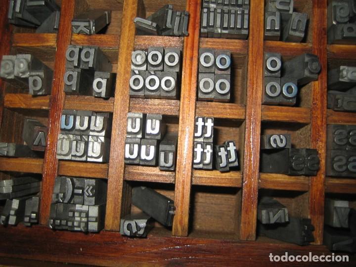 Antigüedades: imprenta, letras de plomo, 20 FOLIO NEGRA MINUSCULAS, caja 40 apartados - Foto 8 - 156063126