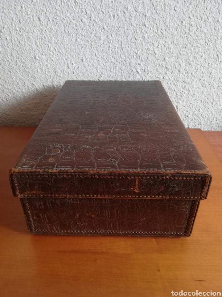 Antigüedades: Antigua Maleta Neceser Beristain y Cia Barcelona Proveedor de la Casa Real - Piel de cocodrilo - Foto 10 - 156271293