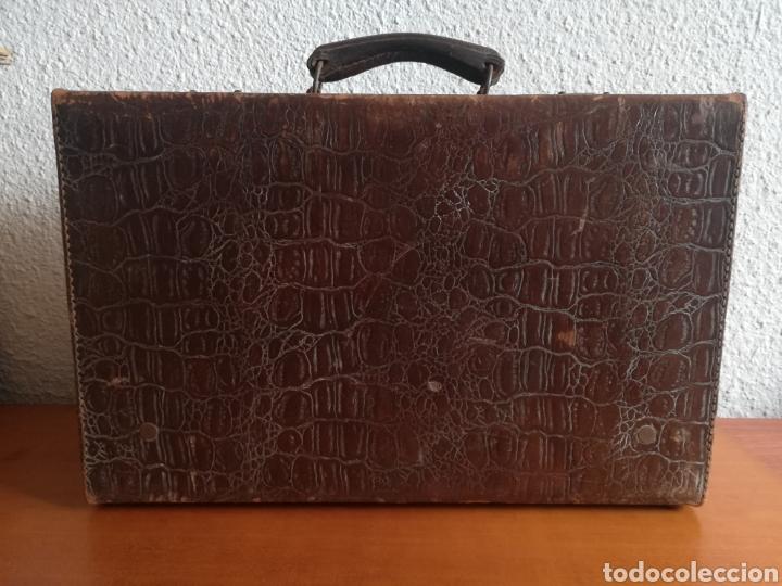 Antigüedades: Antigua Maleta Neceser Beristain y Cia Barcelona Proveedor de la Casa Real - Piel de cocodrilo - Foto 12 - 156271293