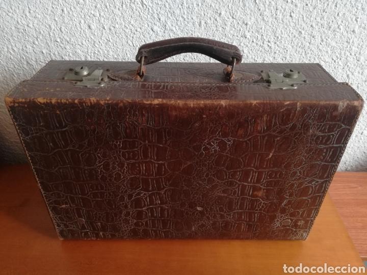 Antigüedades: Antigua Maleta Neceser Beristain y Cia Barcelona Proveedor de la Casa Real - Piel de cocodrilo - Foto 13 - 156271293