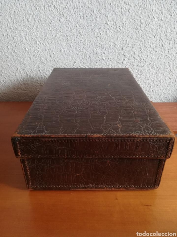 Antigüedades: Antigua Maleta Neceser Beristain y Cia Barcelona Proveedor de la Casa Real - Piel de cocodrilo - Foto 14 - 156271293