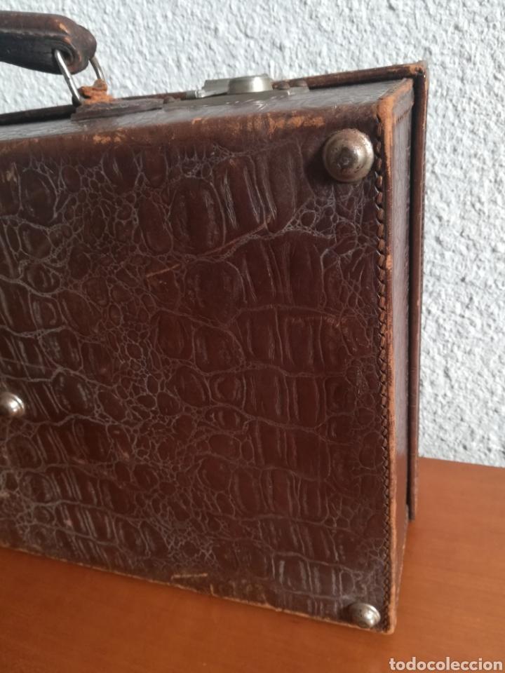 Antigüedades: Antigua Maleta Neceser Beristain y Cia Barcelona Proveedor de la Casa Real - Piel de cocodrilo - Foto 18 - 156271293