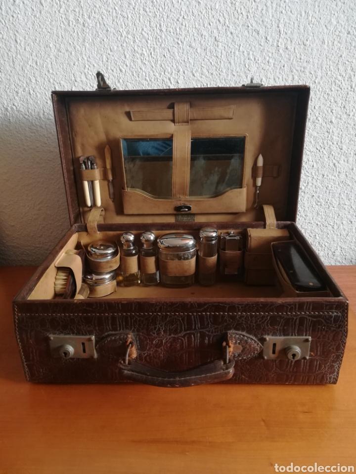 Antigüedades: Antigua Maleta Neceser Beristain y Cia Barcelona Proveedor de la Casa Real - Piel de cocodrilo - Foto 23 - 156271293