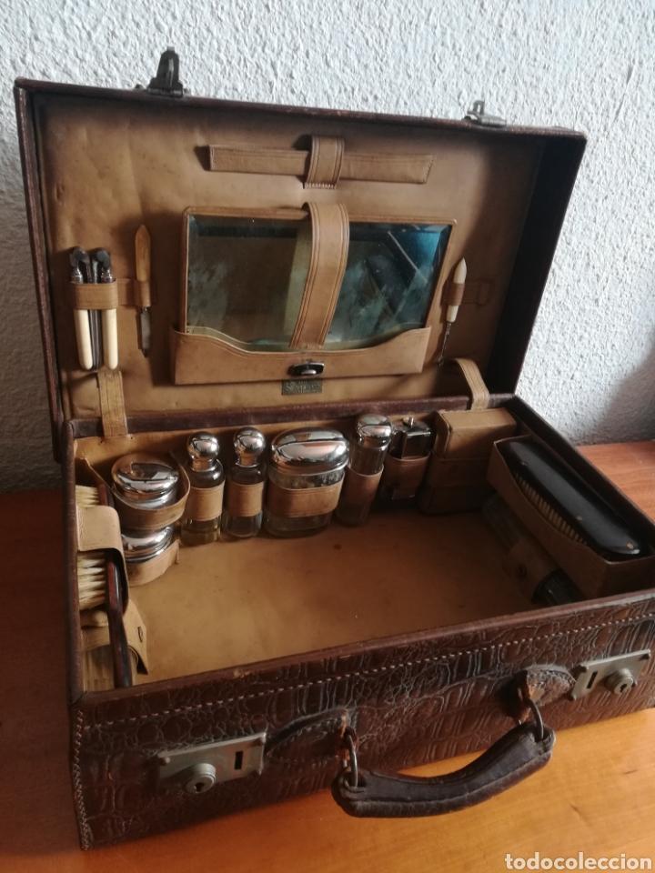 Antigüedades: Antigua Maleta Neceser Beristain y Cia Barcelona Proveedor de la Casa Real - Piel de cocodrilo - Foto 38 - 156271293