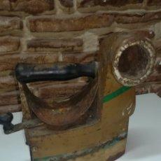 Antigüedades: ANTIGUA PLANCHA DE CARBÓN PARA RESTAURAR. Lote 156415140