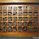 Antigüedades: IMPRENTA, LETRAS DE PLOMO, 14 ROMANA CURSIVA, CAJA 40 APARTADOS. Lote 156481618