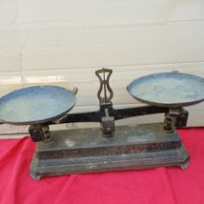 Antigüedades: ANTIGUA BALANZA HIERRO FORJADO PARA PESA 5 KG. Lote 156491113