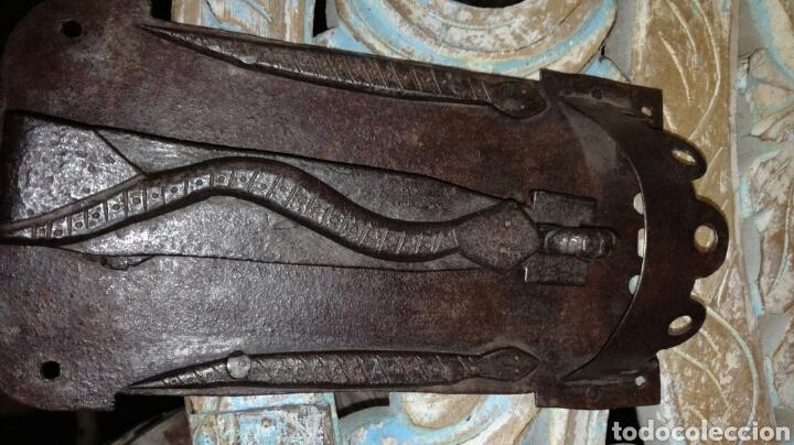 Antigüedades: Llamador de forja muy i con bicho - Foto 3 - 156597181