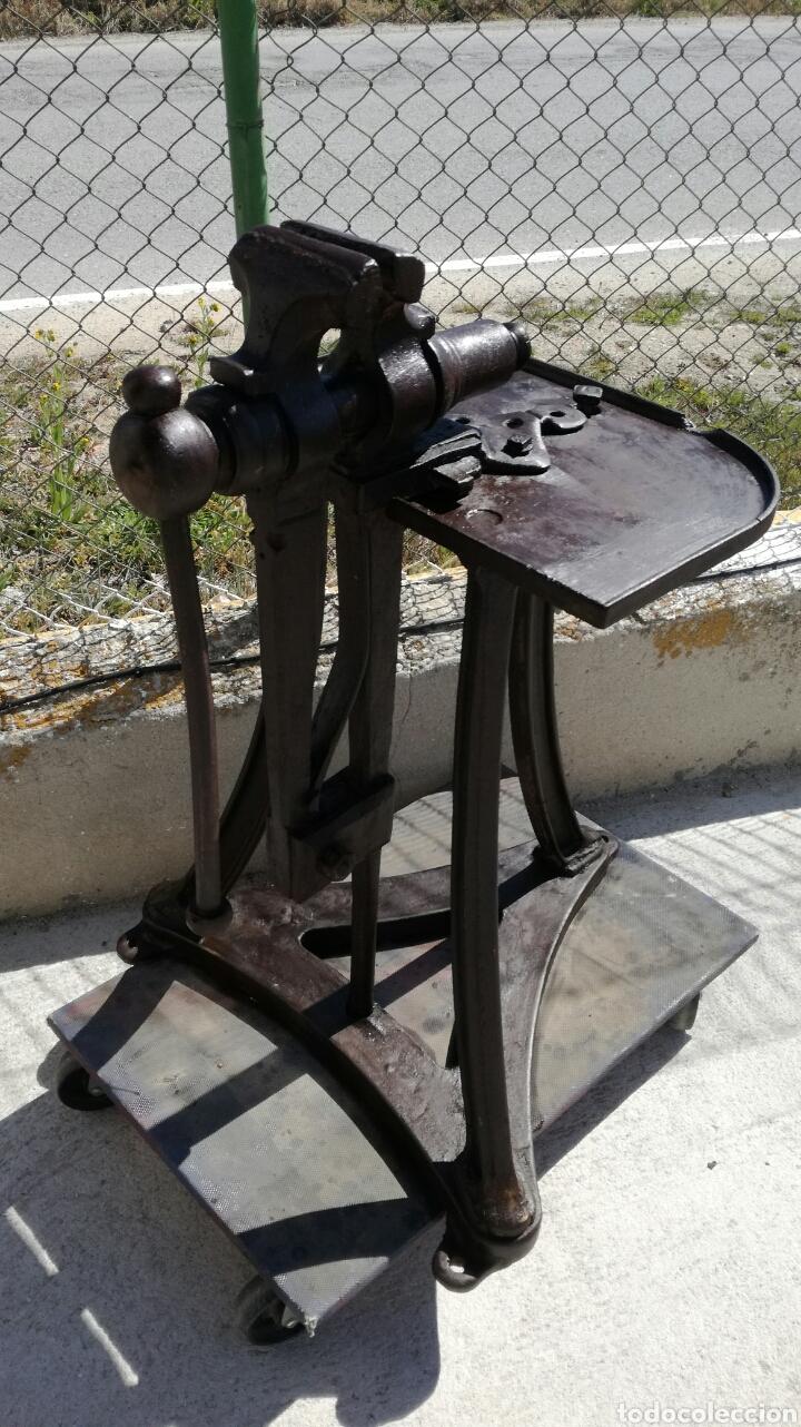 Antigüedades: Tornillo de fragua de hierro antiguo - Foto 2 - 156601808