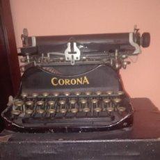Antigüedades: MAQUINA DE ESCRIBIR CORONA. Lote 156658542