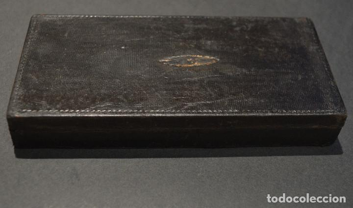 Antigüedades: ANTIGUA BALANZA DE PRECISIÓN CON PONDERALES PARA MONEDAS Y ORO - Foto 9 - 156666438