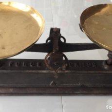 Antigüedades: ANTIGUA BALANZA EN HIERRO FUNDIDO SIGLO XIX . Lote 156711966