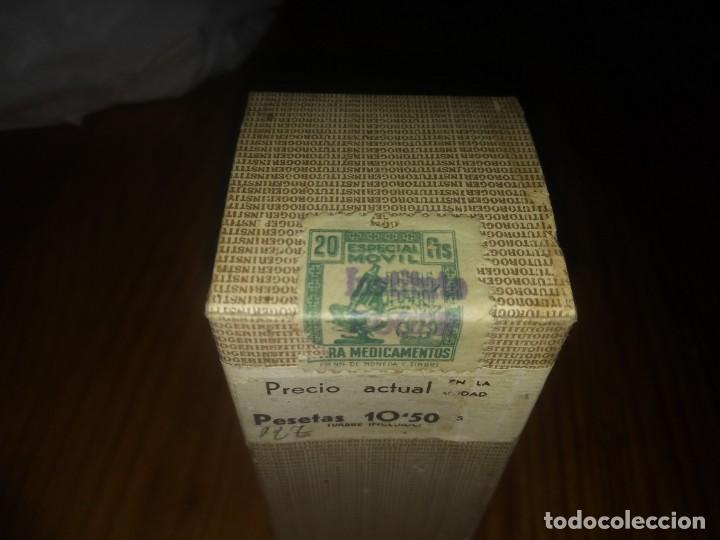 Antigüedades: Antiguo BOTE con caja y sello PRECINTADA de ROGER RIÑON NEFRINA OPOTERAPICOS medicamento Barcelona - Foto 2 - 156962042
