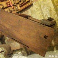 Antigüedades: BANCO Y HERRAMIENTAS DE CARPINTERO PARA NIÑO. Lote 157002874