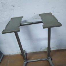 Antigüedades: MESA DE MAQUINA DE ESCRIBIR. Lote 157068722