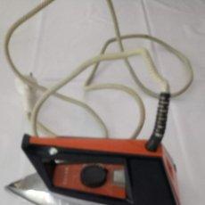 Antigüedades: PLANCHA ELECTRICA FUNCIONANDO. Lote 157230518
