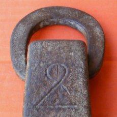 Antigüedades: PESA CATALANA BASTANTE GRANDE, PESA 779 GRS.. Lote 157256350