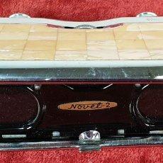 Antigüedades: BINOCULARES DE ÓPERA. PLEGABLES. DKS. MADE IN JAPAN. METAL Y NÁCAR. CIRCA 1970. . Lote 157675506