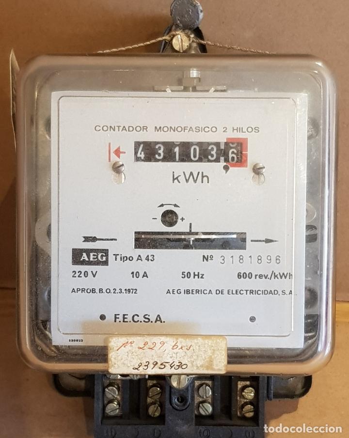CONTADOR MONOFÁSICO 2 HILOS / AEG IBÉRICA DE ELECTRICIDAD / AÑO 1972 / COMO NUEVO / CON PRECINTOS. (Antigüedades - Técnicas - Herramientas Profesionales - Electricidad)