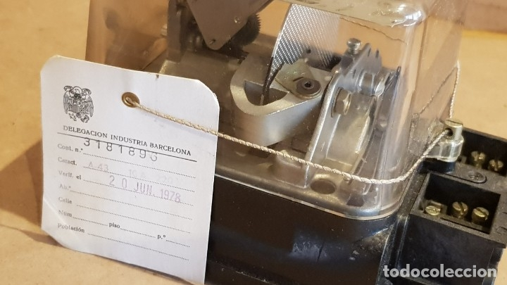 Antigüedades: CONTADOR MONOFÁSICO 2 HILOS / AEG IBÉRICA DE ELECTRICIDAD / AÑO 1972 / COMO NUEVO / CON PRECINTOS. - Foto 4 - 157689542