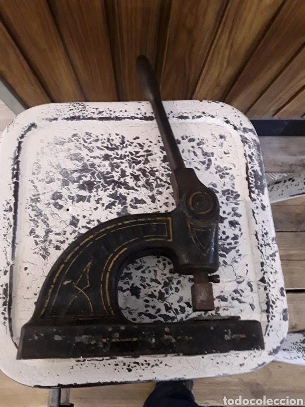 Antigüedades: Maquina de imprimir en el cuero - Foto 4 - 157726672