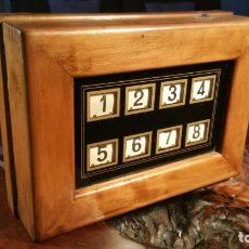 Antigüedades: ANTIGUA CAJA ELECTRICA TIMBRE DE SERVICIO NUMEROS, QUE CORRESPONDEN A HABITACIONES DE HOTEL. NUMAX. Lote 157736014