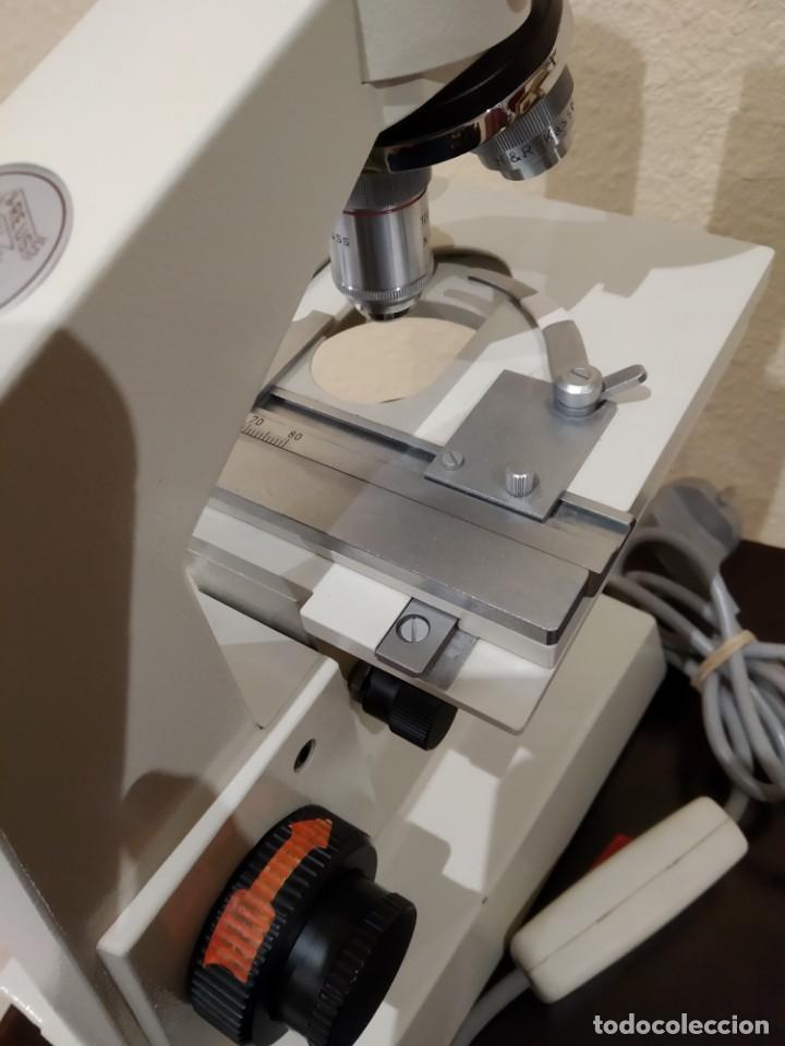 Antigüedades: EXCELENTE MICROSCOPIO BINOCULAR HERTEL & REUSS OPTIK KASSEL CN - HF -AÑOS 70/80- MADE IN W. GERMANY - Foto 13 - 157837730