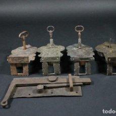 Antigüedades: ¡¡UNICAS!!--5 ANTIGUAS CERRADURAS BARROCAS SIGLO-18-DE ARMARIOS HIERRO CASTILLO ALEMANIA-LOTE 165. Lote 158007710