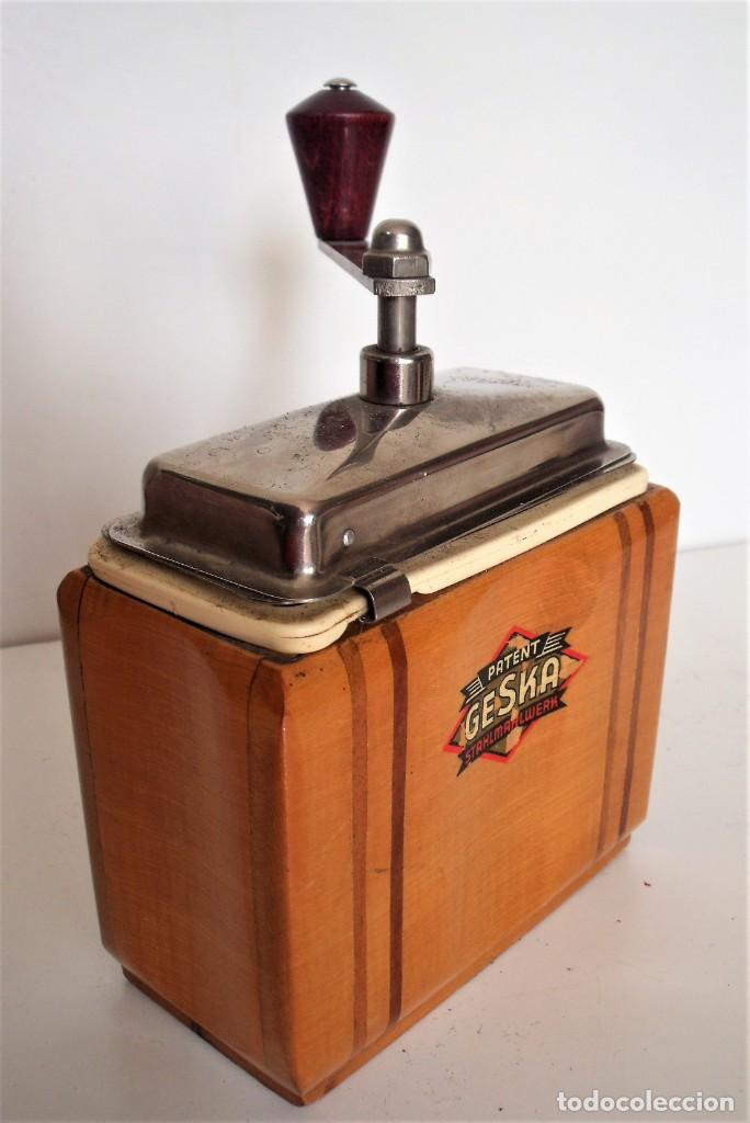 Antigüedades: 3 MOLINILLOS DE CAFÉ MARCA GESKA. MODS. LUXUX MOKKA, FORTSCHRIT, Y CAMPING. ALEMANIA. CA. 1949/1955 - Foto 32 - 158025114
