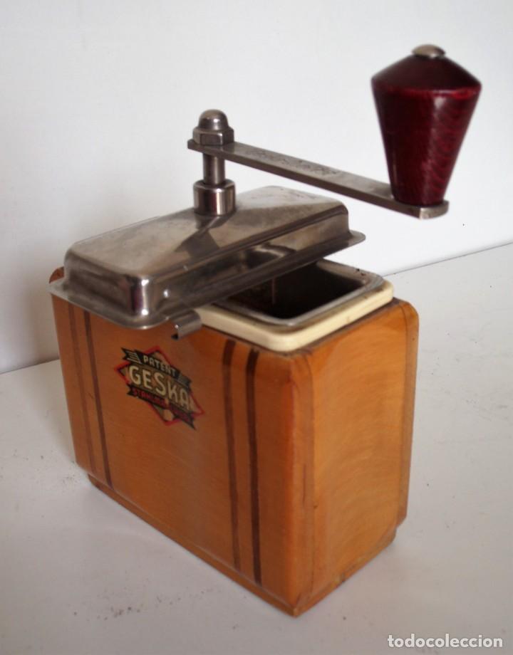 Antigüedades: 3 MOLINILLOS DE CAFÉ MARCA GESKA. MODS. LUXUX MOKKA, FORTSCHRIT, Y CAMPING. ALEMANIA. CA. 1949/1955 - Foto 35 - 158025114
