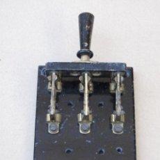 Antigüedades: CUADRO MANDO ELECTRICO ANTIGUO - BASE DE PIZARRA.. Lote 158408990