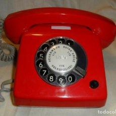 Teléfonos: TELEFONO ROJO ORIGINAL DE LA ALEMANIA DEL ESTE GDR AÑOS 70. Lote 158422298