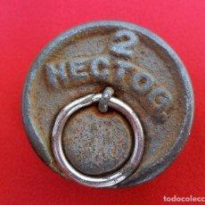 Antigüedades: PESA DE 2 HECTOGRAMOS, 200 GRMS, DE CIMAS VALENCIA CON CONTRASTES.. Lote 158450318
