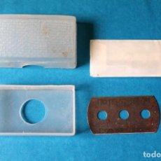 Antigüedades: CAJITA CUCHILLAS DE AFEITAR DE PLASTICO-AÑOS 60. Lote 269498678