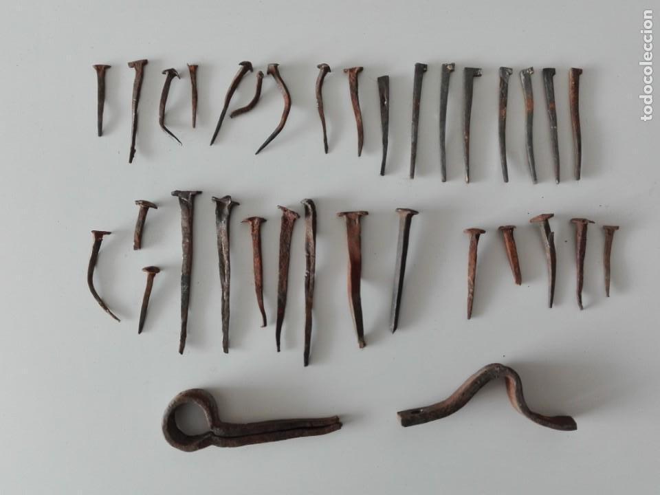 LOTE CLAVOS DE FORJA Y BISAGRA (Antigüedades - Técnicas - Cerrajería y Forja - Forjas Antiguas)