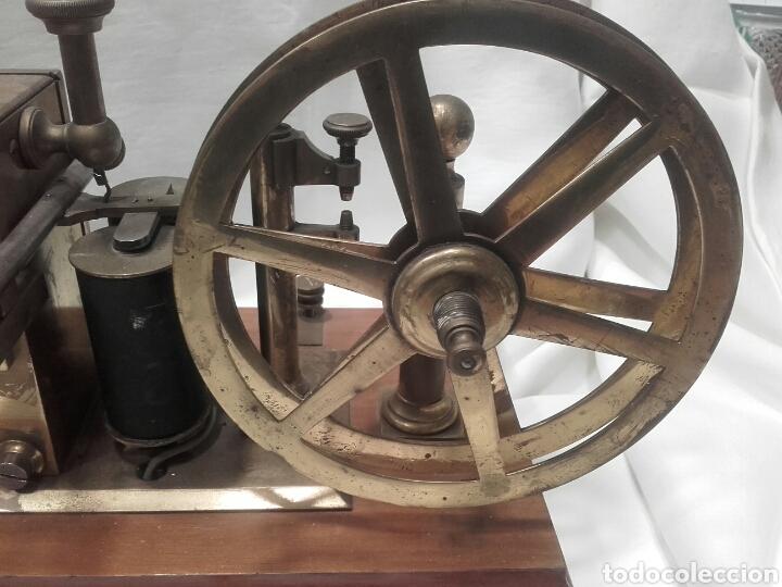 Antigüedades: MAGNÍFICO TELÉGRAFO, USADO EN ESTACIONES DE RENFE ANTES DEL TELÉFONO. Serie L 3-27 Número 19542. - Foto 3 - 158525146