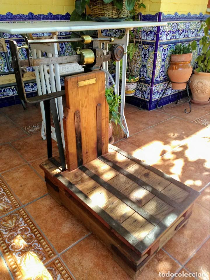 BÁSCULA ANTIGUA DE MADERA (Antigüedades - Técnicas - Medidas de Peso - Básculas Antiguas)