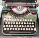 Antigüedades: MAQUINA ESCRIBIR UNDERWOOD ANTIGUA USA 1933 - PORTABLE CON FUNDA 32X30X14,5 ¡PERFECTA!. Lote 158623582