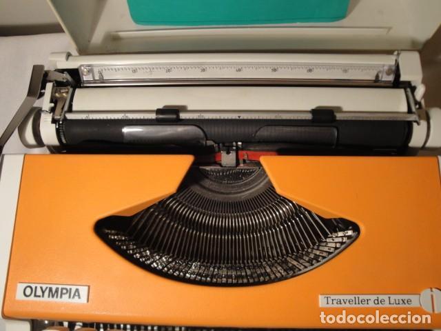 Antigüedades: Máquina de escribir portátil. Olympia Traveller de Luxe. Estado muy bueno. - Foto 4 - 158709746