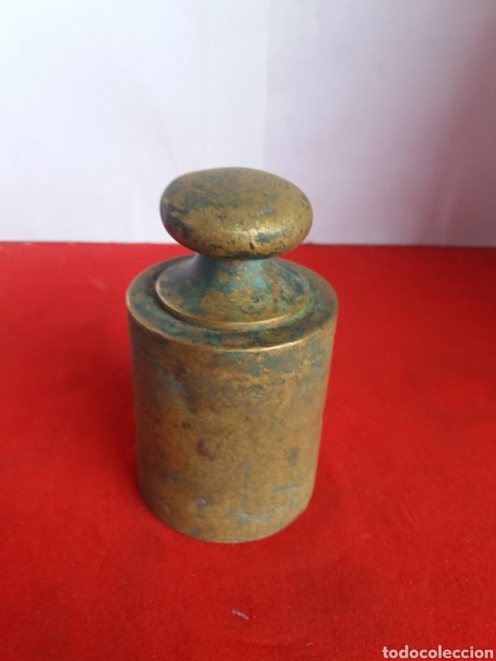 ANTIGUA PESA DE 2 KG EN BRONCE (Antigüedades - Técnicas - Medidas de Peso Antiguas - Otras)