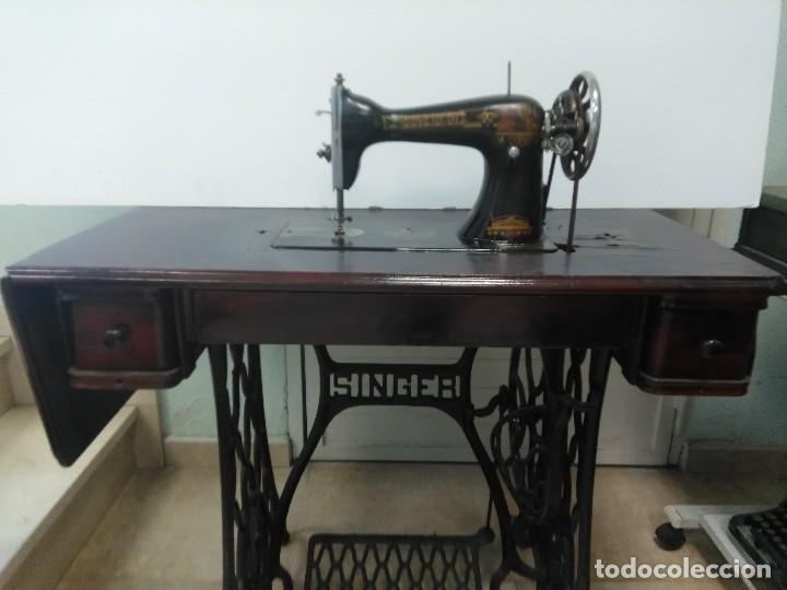 máquina de coser singer con su mueble original. - Comprar