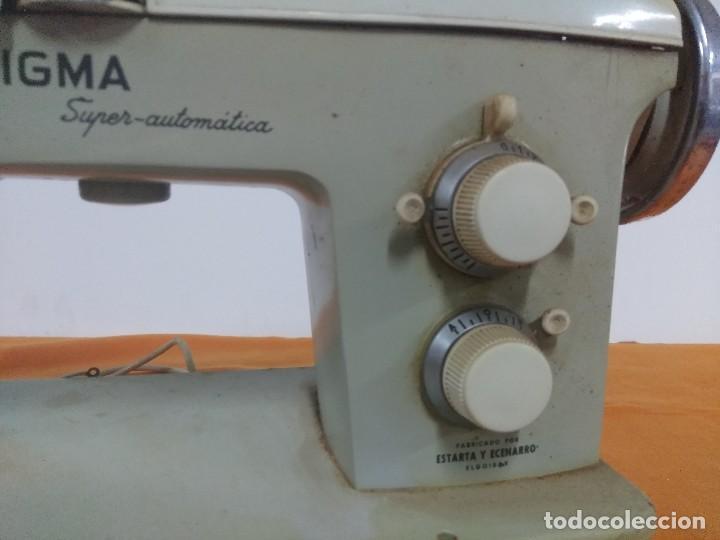 Antigüedades: Máquina de coser antigua Sigma super-automática antigua - Foto 3 - 158795498