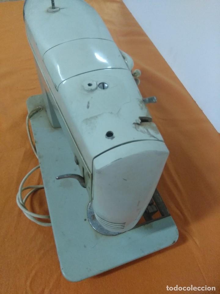 Antigüedades: Máquina de coser antigua Sigma super-automática antigua - Foto 5 - 158795498