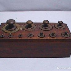 Antigüedades: ANTIGUO LOTE TACO COMPLETO DE 11 PONDERALES EN BRONCE. DE 1 GR A 200 GR.. Lote 158932154