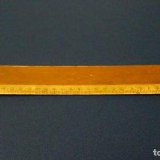 Antigüedades: REGLA DE MADERA DE 30 CM DE LOS AÑOS 40. Lote 159045042
